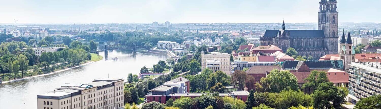 Blick über Magdeburg, wo das Zeitarbeitsunternehmen PROMIND services seinen Standort hat.